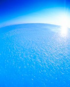 雪原と朝日の写真素材 [FYI01511938]