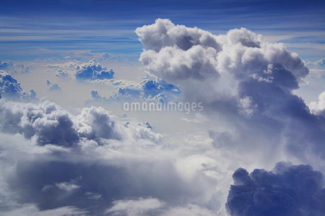 入道雲と雲海の写真素材 [FYI01514140]