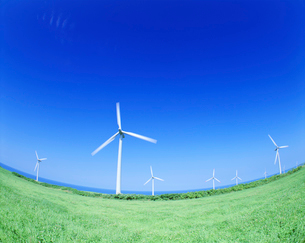 風力発電の風車の写真素材 [FYI01518269]