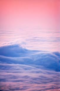 波状雲海 朝の写真素材 [FYI01520825]