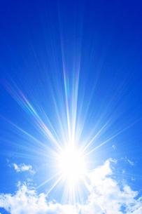 雲と太陽の写真素材 [FYI01520843]