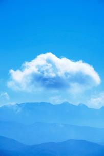 八ケ岳とわた雲の写真素材 [FYI01521733]
