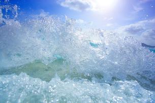 波しぶきの写真素材 [FYI01523748]