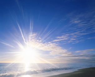 朝の海の写真素材 [FYI01528833]
