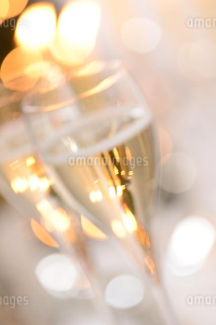 シャンパングラスのパーティーイメージの写真素材 [FYI01530234]