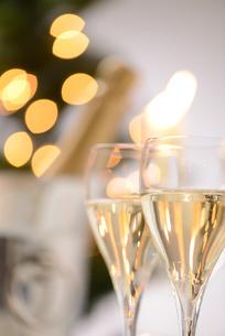 シャンパングラスのパーティーイメージの写真素材 [FYI01530239]