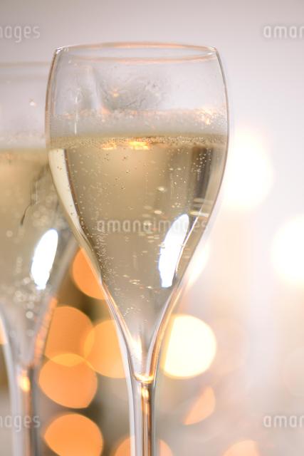 シャンパングラスのパーティーイメージの写真素材 [FYI01530390]