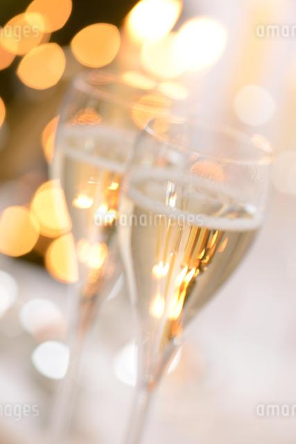 シャンパングラスのパーティーイメージの写真素材 [FYI01530457]