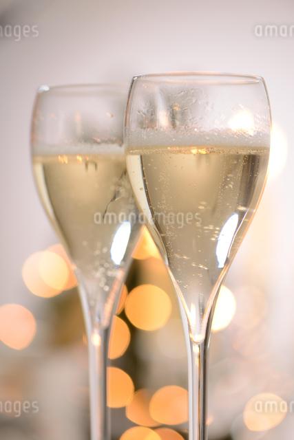 シャンパングラスのパーティーイメージの写真素材 [FYI01531082]