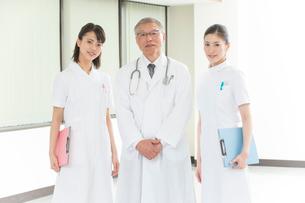 医者と看護師2人の写真素材 [FYI01532852]