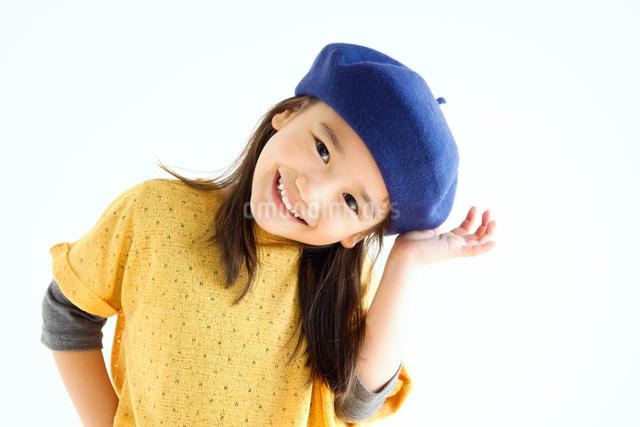 笑顔の女の子の写真素材 [FYI01539364]