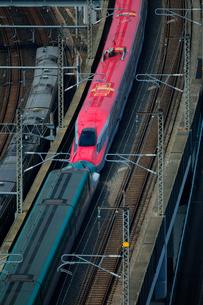 東北新幹線,スーパーこまちとつばさの写真素材 [FYI01541499]