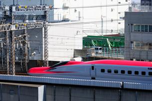 東北新幹線,スーパーこまちの写真素材 [FYI01541523]