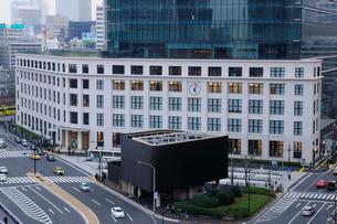 JPタワー 下層部(東京中央郵便局)の写真素材 [FYI01542343]
