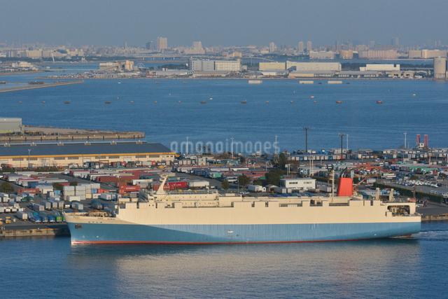 東京港の貨物船の写真素材 [FYI01542430]