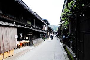 飛騨高山の古い街並みの写真素材 [FYI01543830]