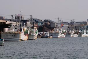 三国港漁港の風景の写真素材 [FYI01544820]