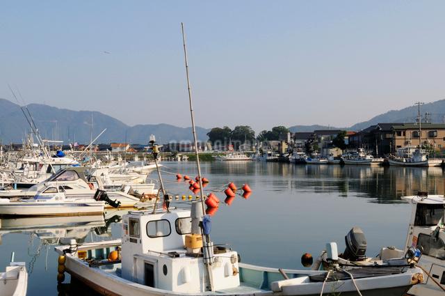 小浜漁港の風景の写真素材 [FYI01544821]
