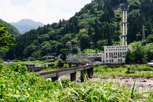 水力発電所の風景の写真素材 [FYI01544868]