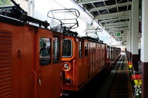 黒部渓谷トロッコ電車駅の風景の写真素材 [FYI01545701]
