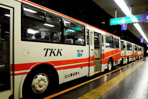 立山黒部アルペンル-ト立山トンネルトロリ-バスの写真素材 [FYI01545831]