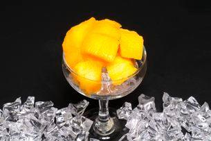 果物・マンゴの写真素材 [FYI01545885]