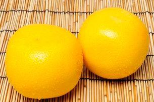 果物・クレープフルーツの写真素材 [FYI01546126]