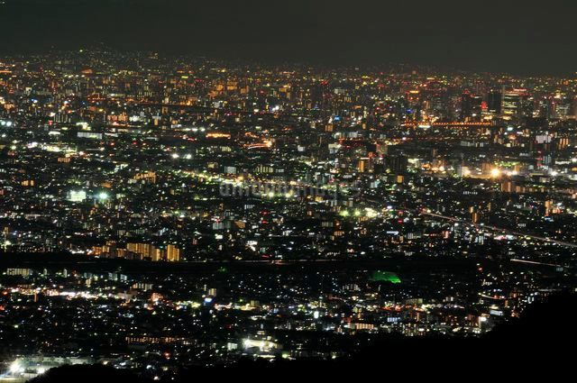 東六甲展望台から阪神間の夜景の写真素材 [FYI01546794]