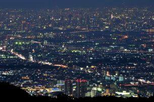 東六甲展望台から阪神間の夜景の写真素材 [FYI01546919]