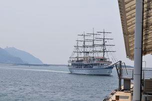 淡路福良港うずしお観光船のりばの写真素材 [FYI01546952]
