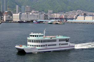 神戸港観光クルーズ船の写真素材 [FYI01547535]