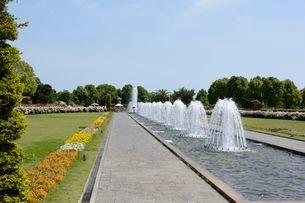 須磨離宮公園・欧風庭園と噴水の写真素材 [FYI01547753]