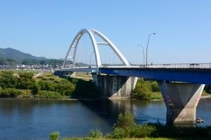 福知山,由良川にかかる音無瀬橋の写真素材 [FYI01548517]