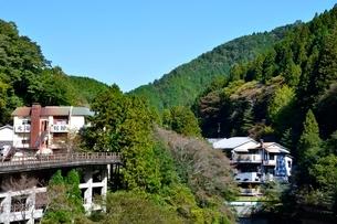 和歌山県,日高川と龍神温泉郷の写真素材 [FYI01548917]