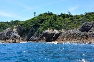 名勝,観光船で浦富海岸めぐり,蜩洞門の写真素材 [FYI01549279]
