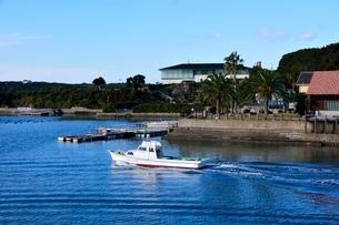賢島エスパ-ニャクル-ズ船で英虞湾を遊覧の写真素材 [FYI01549971]
