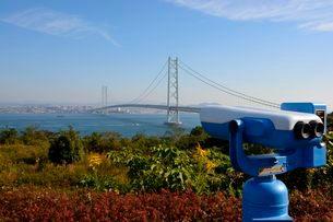淡路島・松帆の郷から見た明石海峡大橋の写真素材 [FYI01550551]