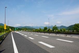 北近畿豊岡自動車道の写真素材 [FYI01550833]
