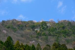 寺町通りから竹田城跡を見るの写真素材 [FYI01551173]