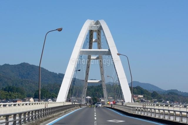 福知山,由良川にかかる音無瀬橋の写真素材 [FYI01551221]