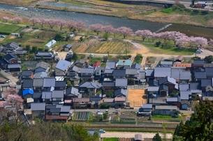竹田城跡から見る城下町の写真素材 [FYI01551253]