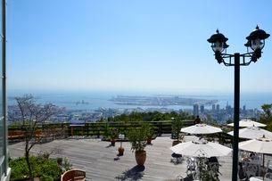 神戸布引ハーブ園内展望台から神戸市を一望の写真素材 [FYI01551298]