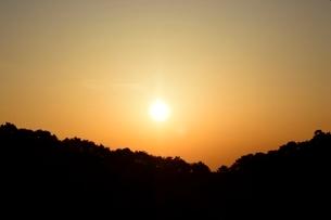 休暇村奥大山の朝日の写真素材 [FYI01553461]