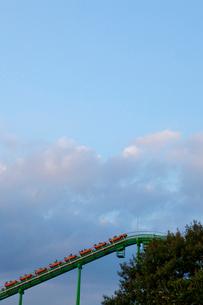 コースターと雲の写真素材 [FYI01556019]