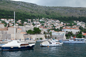 港と観光客の写真素材 [FYI01556703]