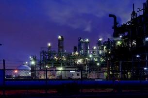 京浜工業地帯の夜景の写真素材 [FYI01556790]