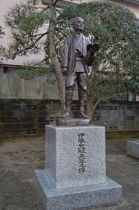 江戸後期の測量学者伊能忠敬の像の写真素材 [FYI01556959]