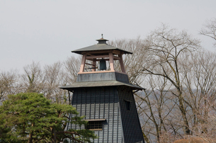 沼田城址公園にある鐘楼の写真素材 [FYI01557132]