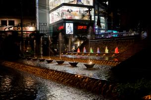 バンコク市街 アソーク駅前の写真素材 [FYI01557417]