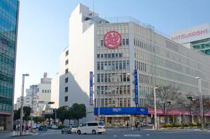 千葉駅前の三越デパートの写真素材 [FYI01557932]